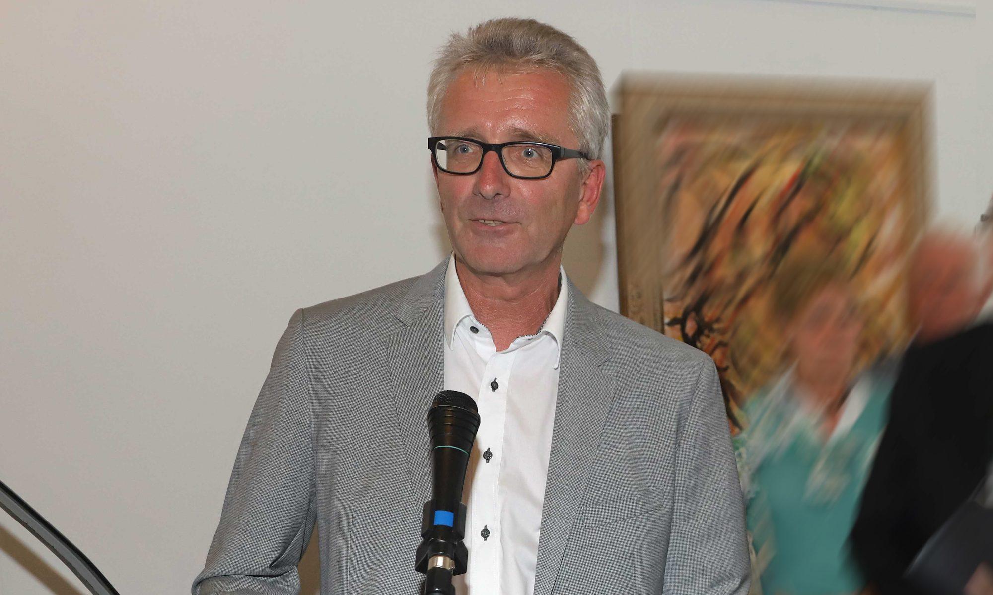 Dr. Rudolf Grothues